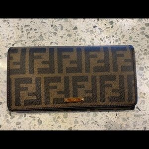 NEW FENDI WALLET🤎